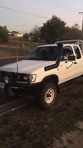 2004 Toyota Hilux Rasmussen Townsville Surrounds Preview