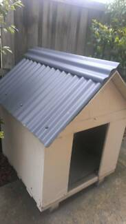 Dog house kenell