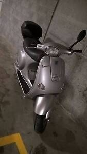"""$1850 only for VESPA 125 cc 2003 Low KM"""" Wolli Creek Rockdale Area Preview"""