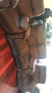 4x recliner lounges Sutherland Sutherland Area Preview