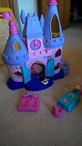 Fisher Price Little People Disney Princess Castle Ingle Farm Salisbury Area Preview