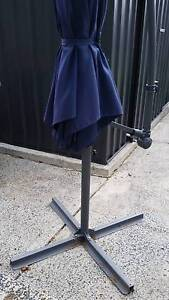 Cantilever shade umbrella needs new cord but exc cond Point Clare Gosford Area Preview