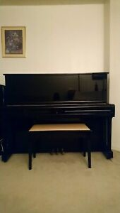 YAMAHA acoustic upright piano U1A in excellent condition
