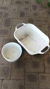 Poultry dog food bowl and water tub