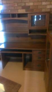 DESK WITH HUTCH Albany Creek Brisbane North East Preview
