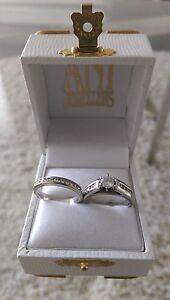 Engagement ring and wedding band ****reduced****