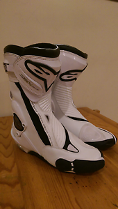 AlpineStars S-MX Plus motorcycle boots - white size 8/42 Somerton Park Holdfast Bay Preview