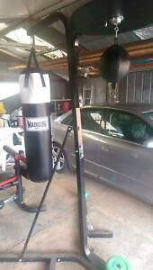 Boxing stand/bag and speed ball