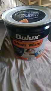 Dulux wash and wear low sheen quality paint. Banksia Grove Wanneroo Area Preview