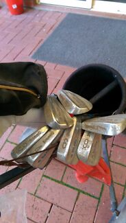 Ladies Spalding Golf Clubs and Bag One Tree Hill Playford Area Preview