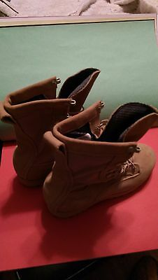 BELLEVILLE, BOOTS COLD WEATHER GORETEX, DESERT TAN, SIZE 5.5 WIDE, GREAT SHAPE.