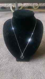 Silver Necklace Singleton Singleton Area Preview