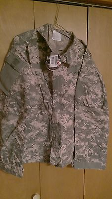 ARMY ACU DIGITAL  COMBAT UNIFORM LARGE REG FLAME RESISTANT,NEW WITH TAGS.