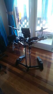 Roland electric drumset Cleveland Redland Area Preview