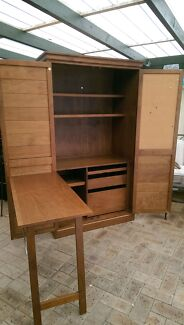Beautiful wooden computer cabinet Pull down table $160 Duncraig Joondalup Area Preview