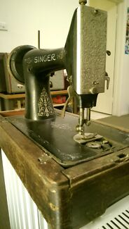 Singer Sewing Machine  Malvern Stonnington Area Preview