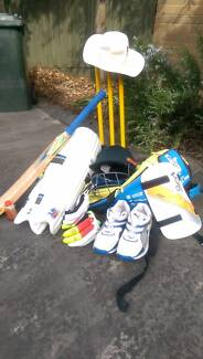 Youth cricket set - good condition! Mount Waverley Monash Area Preview