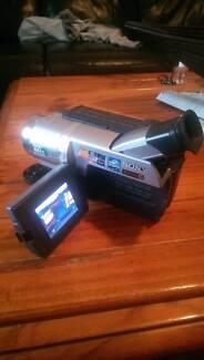 Sony Handycam DCR-TRV140E PAL Digital8 video 8 tape Camcorder Pennington Charles Sturt Area Preview