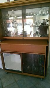 Chiswell drink cabinet with reversal bar and built in fridge Mittagong Bowral Area Preview