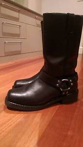 Harley Davidson water proof leather riding boots. Lavender Bay North Sydney Area Preview