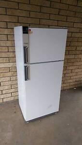 Westinghouse Fridge/Freezer 412L Mount Gambier Grant Area Preview