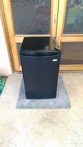(Home delivery) 120L Heller bar fridge - black finish Mile End West Torrens Area Preview
