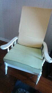 Lovely old shabby chic chair Lota Brisbane South East Preview