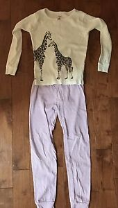 6 pairs of girl's pjs size 7