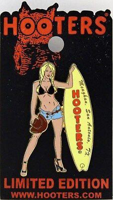 HOOTERS SEXY GIRL MEAGHAN SAN ANTONIO TX TEXAS SURFBOARD LAPEL PIN - COWBOY HAT