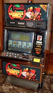 Slot machine coin operated arcade