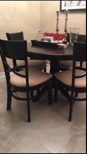 4 Person 6mos New Table & Chair Dinette