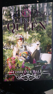 Like a Queen book