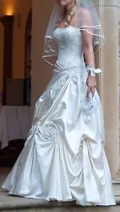 Stunning Wedding Dress - Raffaele Ciuca AI D C Dailona Knoxfield Knox Area Preview