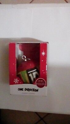 2014 - Carlton Cards - One Direction - round ball ornament