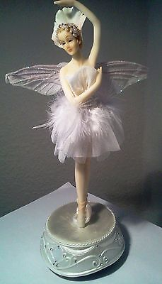 NEU drehende Spieluhr Ballerina mit Flügel Melodie: Blumenwalzer Ballett TüTü
