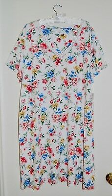 NWT Karen Neuburger Wm's Plus Somerset White Floral V-Neck Nightshirt 1X 2X (V-neck Nightshirt)