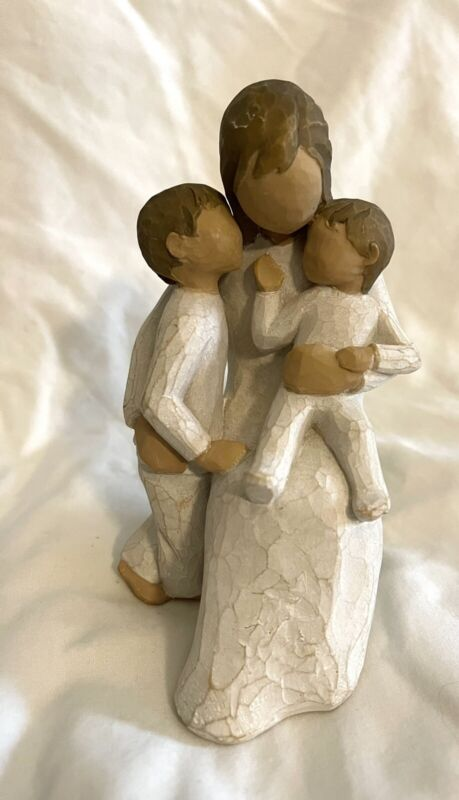 """2002 Willow Tree QUIETLY 5.5"""" figurine by Susan Lordi Mother & 2 kids"""