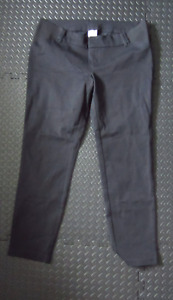 Old Navy Maternity Side-Panel Pixie Ankle Pants  (sz6)
