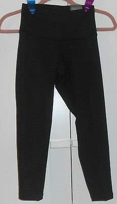 WOMEN'S OLD NAVY BLACK MINI DOT HIGH-RISE COMPRESSION CROPS - SIZE XSMALL