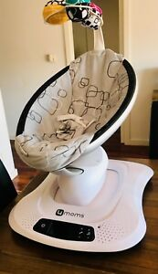 4moms mamaRoo Baby Rocker Infant Seat / Swing