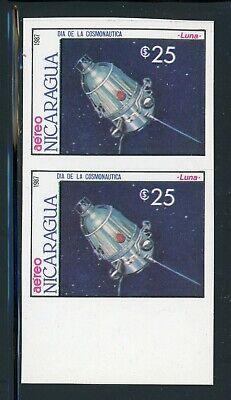 NICARAGUA SPACE Specialized: Scott #1658 25C Cosmonaut Day IMPERF PAIR $$$