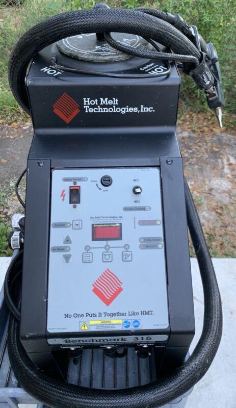 HOT MELT TECHNOLOGIES BENCHMARK 315 ADHESIVE MELTER SPRAYER w/ HOSE AND NOZZLE