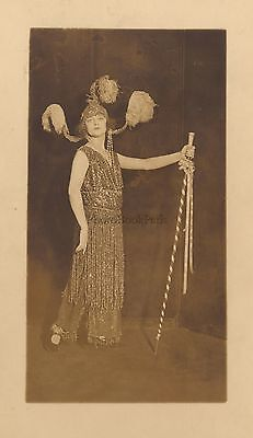 Fashion Dress Hat Spectacle Paris ? Vintage film to the 1920
