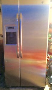 GE Side by Side Refrigerator with Water Dispenser
