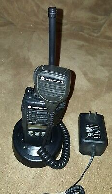 Motorola Ht1250 Vhf Portable Radio 136-174mhz 128ch Aah25kdf9aa5an In New Case