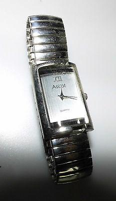 Damen-ascot (Armbanduhr Uhr Damen Ascot silber rechteckig halbrunde Anzeige nur XII silber)