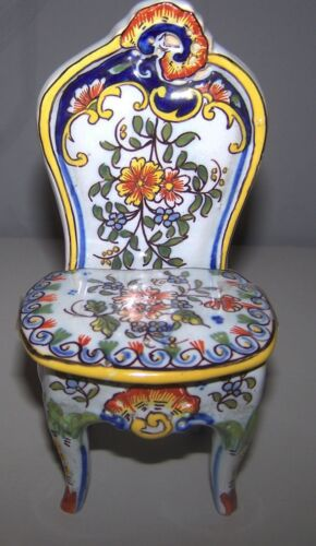 DESVRES  n Quimper French faience chair