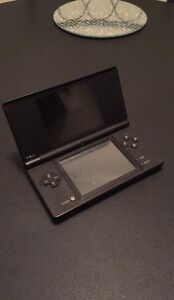 Nintendo DS (DSi) with 18 Games