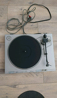 AKAI AP-D210 Direct Drive Turntable (Record Player)