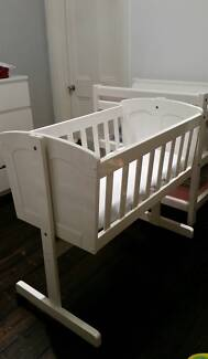 Wooden Baby Bassinet / Cradle  (White)